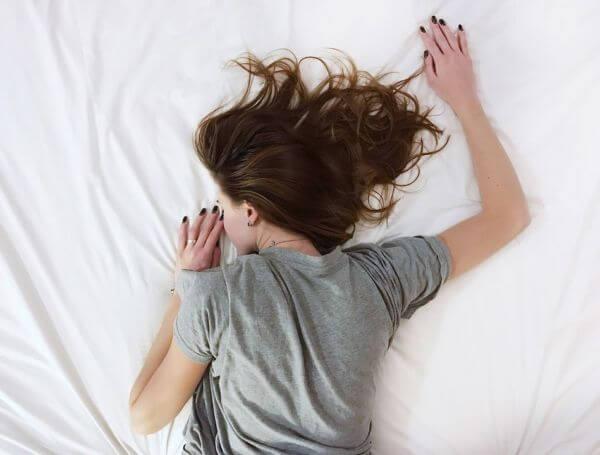 points cardinaux, sens, lit, dormir, sommeil