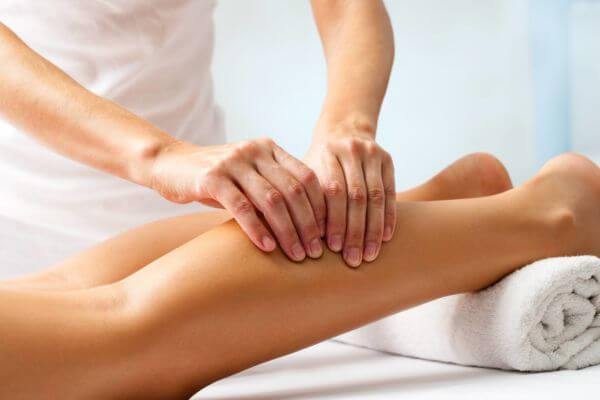 Massage des jambes contre la douleur